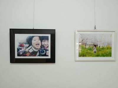 あさドン「カワバタマイ個展「むすめとわたしの、写真展」インタビュー」EP-83